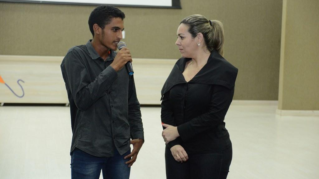Prefeita Cinthia Ribeiro anuncia novo edital do Cartão do Estudante para o segundo semestre