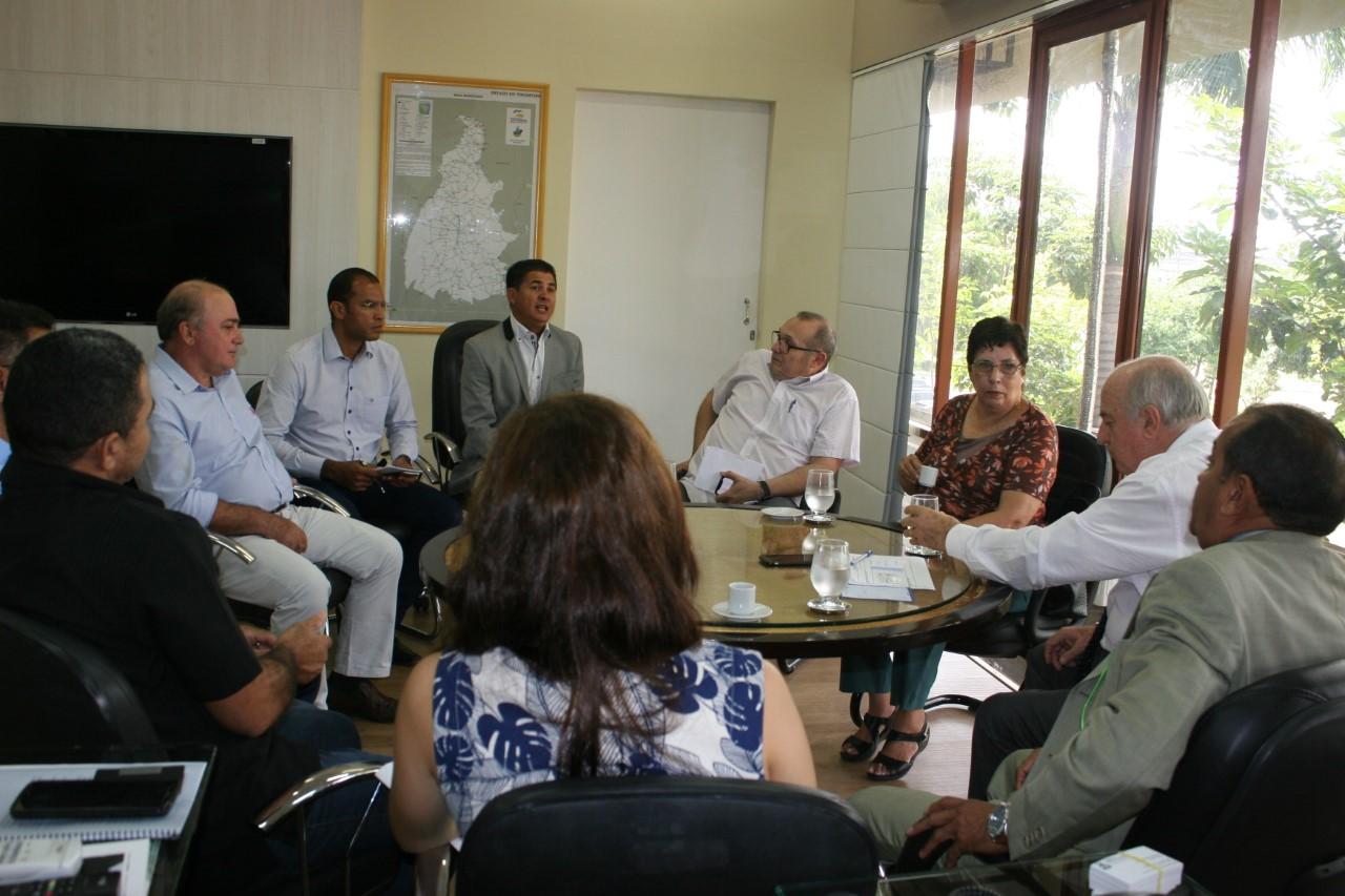 Governo inicia ações para alavancar o polo de confecções do Tocantins