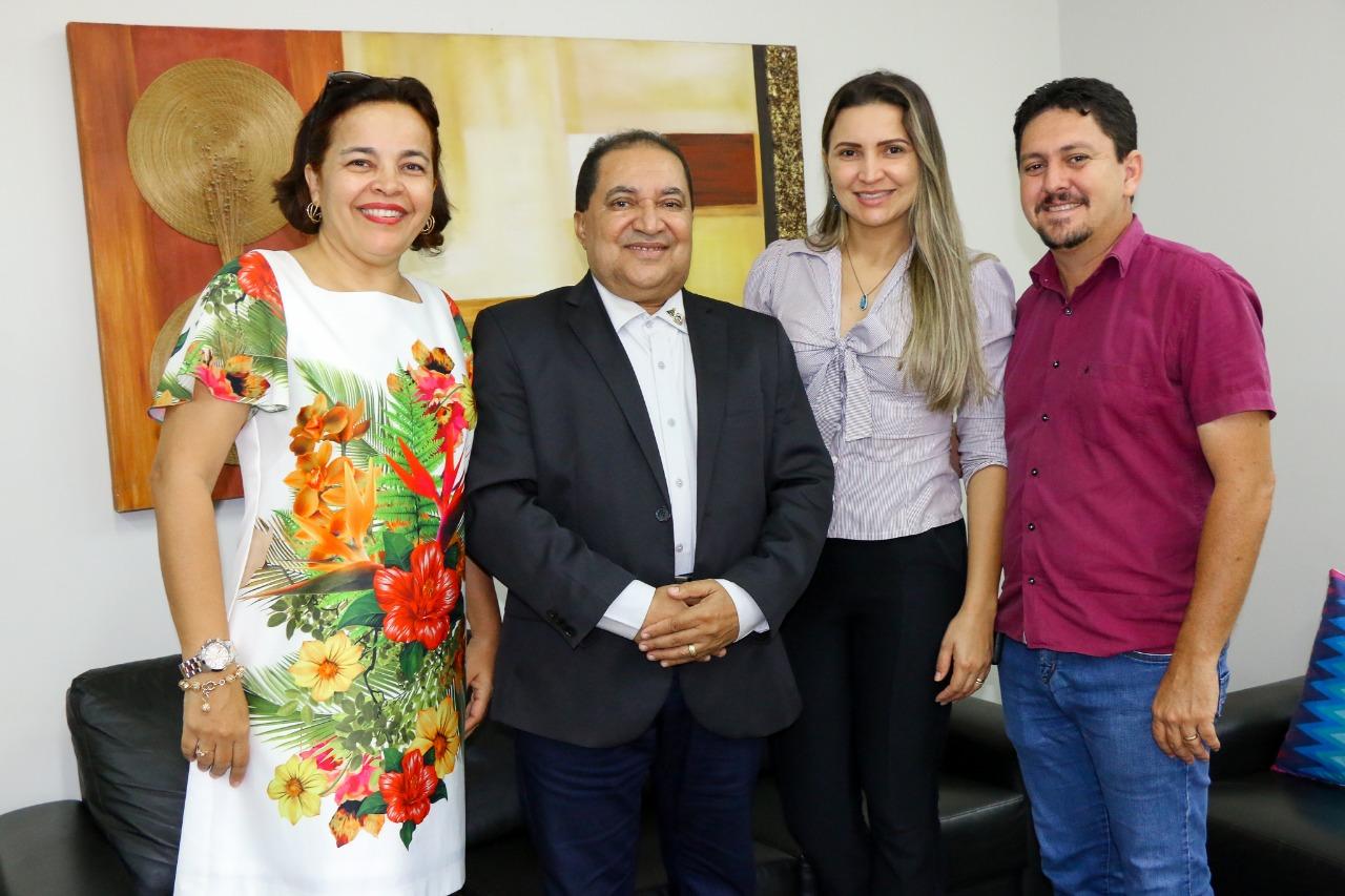 Prefeito de Barrolândia realiza visita institucional à Secretaria Estadual de Trabalho e Assistência Social