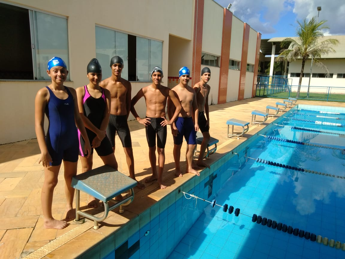 Alunos da ETI Caroline Campelo participam do Campeonato Brasileiro Escolar de Natação no Rio de Janeiro