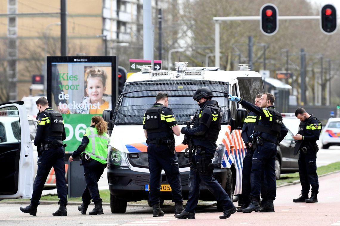 Ataque a bonde na Holanda deixa feridos