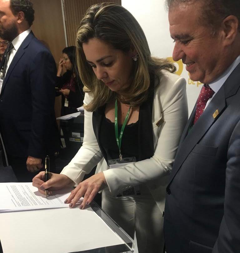 Prefeita Cinthia Ribeiro assina adesão de Palmas a projeto de desenvolvimento sustentável Cities4Forests
