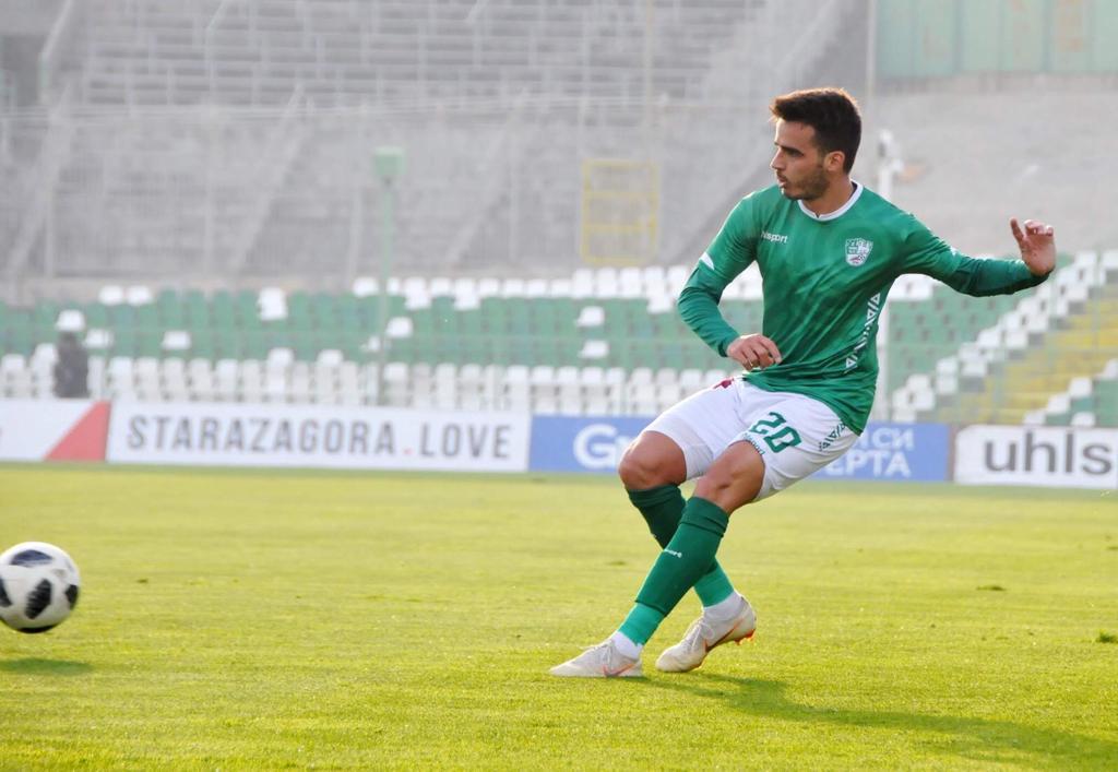 Duelo de compatriotas: Na Bulgária, Matheus Leoni projeta partida contra equipe do atacante Paulinho, ex-Corinthians