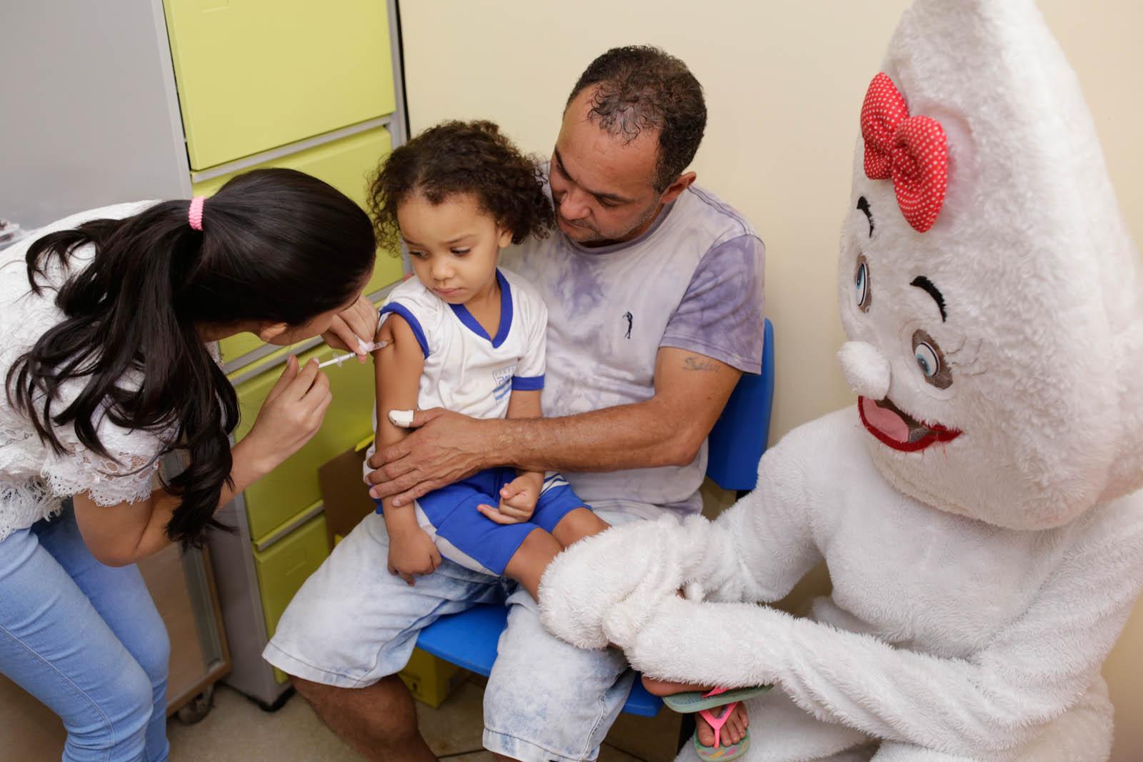 Saúde começa campanha de vacinação contra gripe nos Cmeis em Palmas
