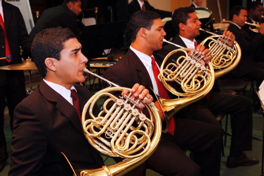 Orquestra Sinfônica traz violinista da Costa Rica para apresentação em Barra Mansa (RJ)