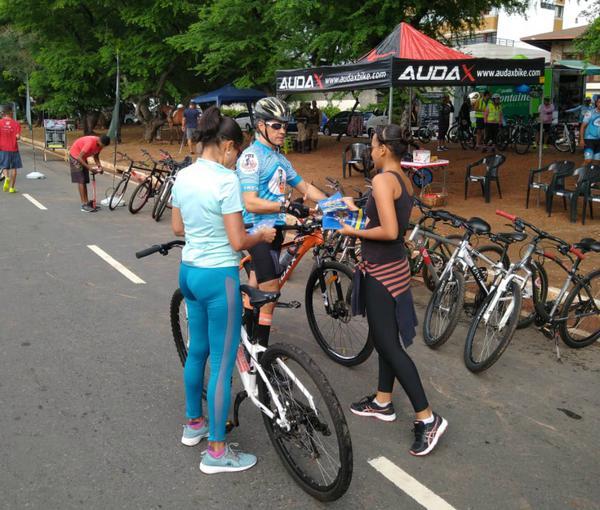 """""""Vamos Passear"""" tem percurso de bike pelas ruas de Salvador (BA)"""