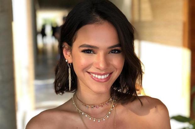 Especialista em rinoplastia avalia narizes de Fernanda Souza, Anitta e Bruna Marquezine