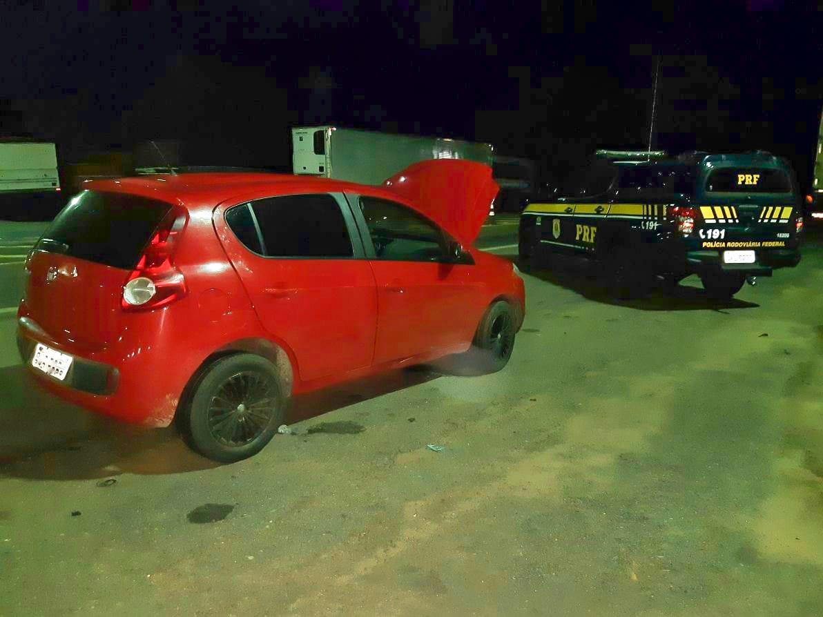 Veículo clonado é apreendido pela PRF em Guaraí/TO