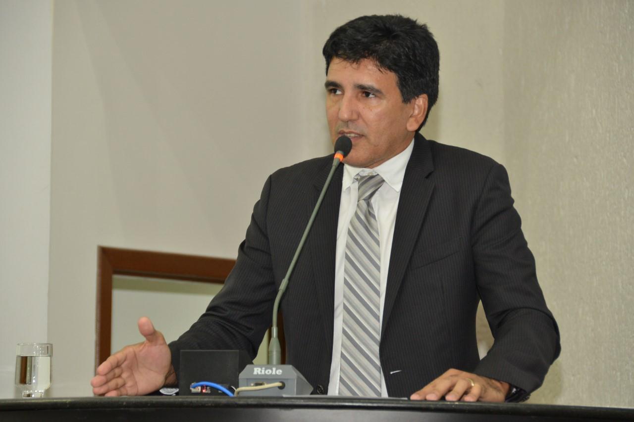 Executivo promete nomeação dos aprovados no concurso da Defesa Social em resposta à requerimento do Prof. Júnior Geo