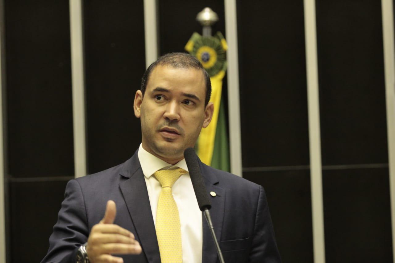 Governo do Tocantins recebe mais de R$8 milhões de Vicentinho Júnior para aquisição de respiradores pulmonares aos 139 municípios