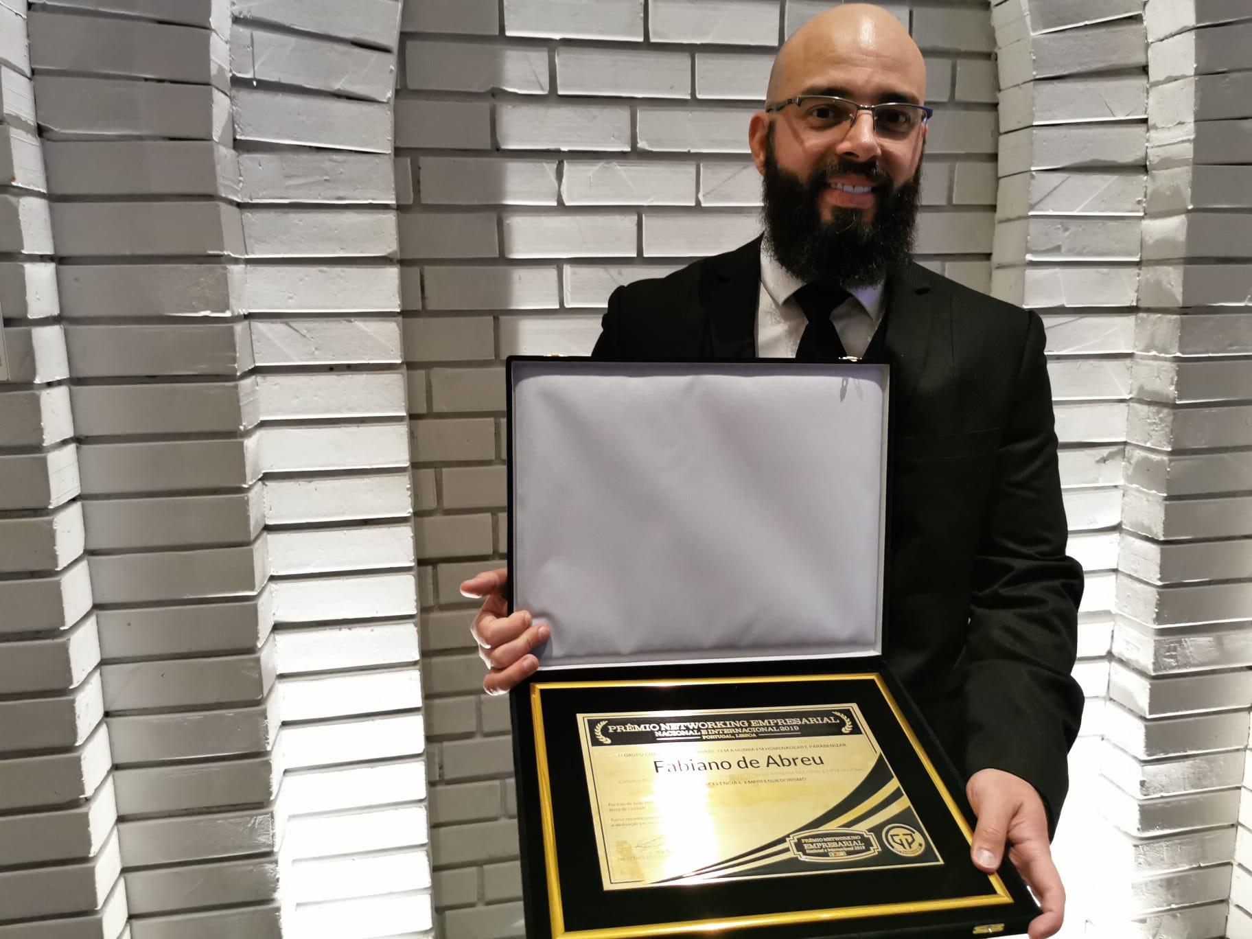 Filósofo luso-brasileiro Fabiano de Abreu ganha prêmio internacional em Lisboa
