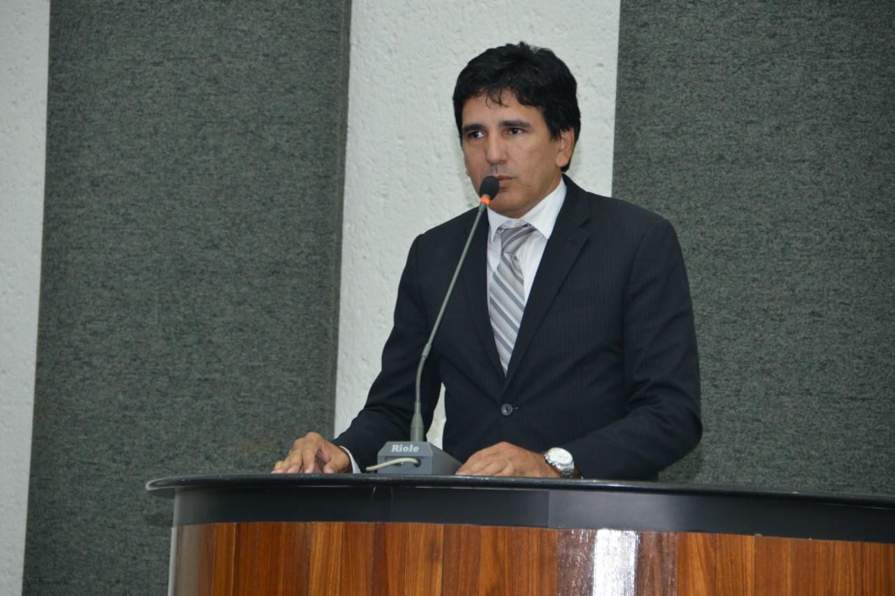 Professor Júnior Geo apresenta PL para o combate ao abuso e exploração sexual da criança e do adolescente