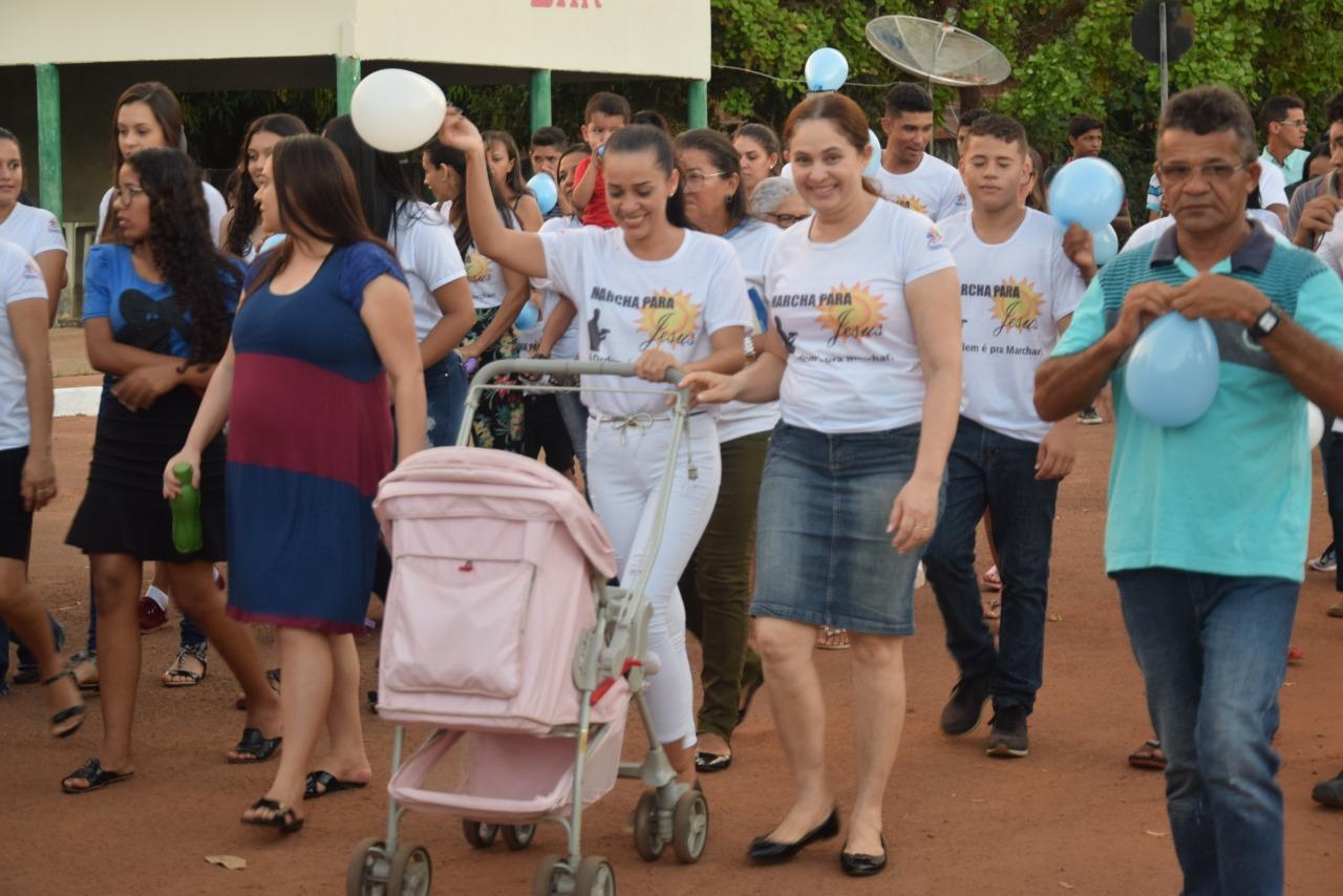 'Marcha Para Jesus' e show gospel abrem programação do 25º aniversário de Chapada de Areia