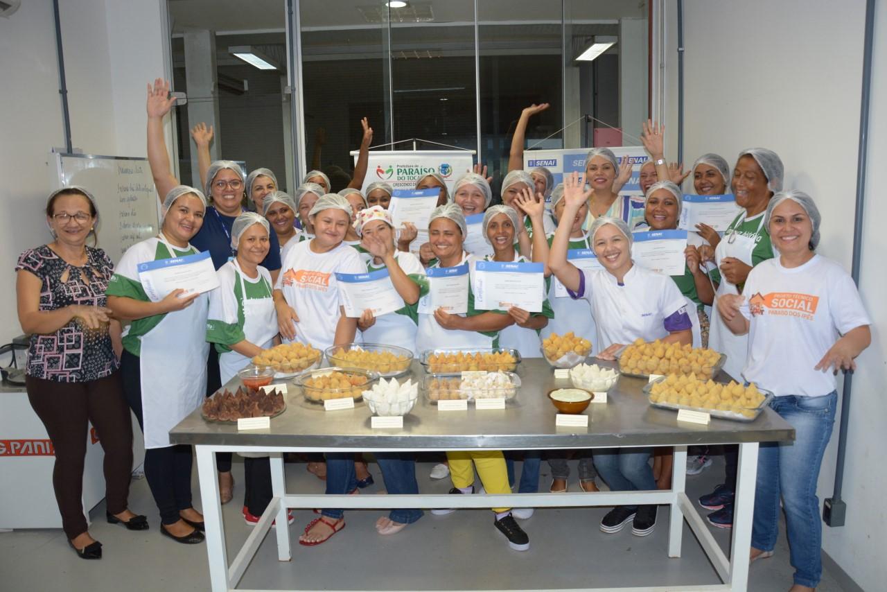 Prefeitura e SENAI certificam alunas do curso de Coxinha Gourmet