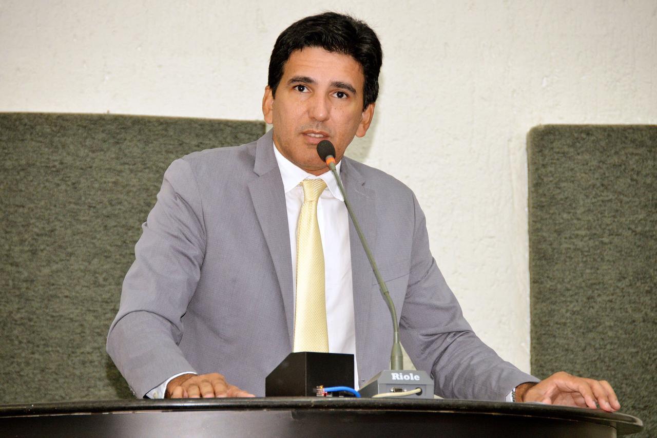 Prof. Júnior Geo volta a cobrar o concurso da Assembleia Legislativa