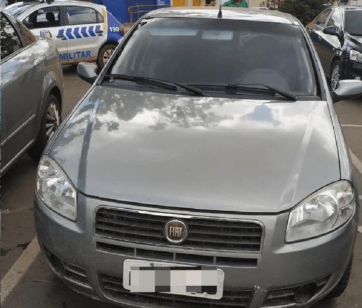PM recupera veículo roubado em Palmas na Feirinha de Araguaína