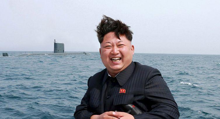 Coreia do Norte lança mísseis em direção ao Mar do Japão