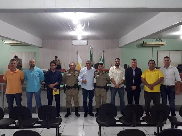 Comando do 9º BPM apresenta projeto de videomonitoramento para quase 70 pessoas durante reunião na câmara em Araguatins
