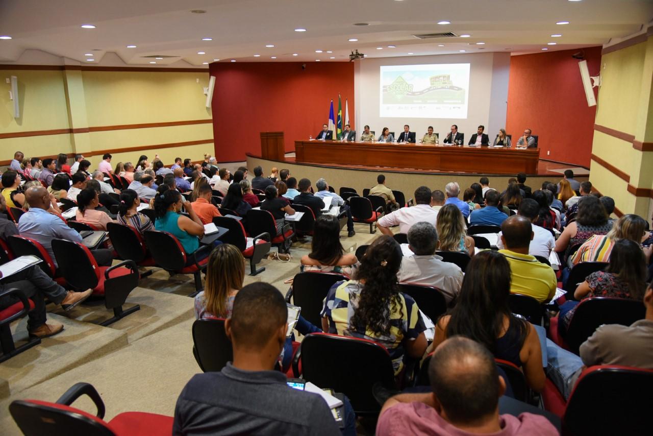 Instituições do Tocantins debatem melhorias para o transporte escolar em encontro no MPTO
