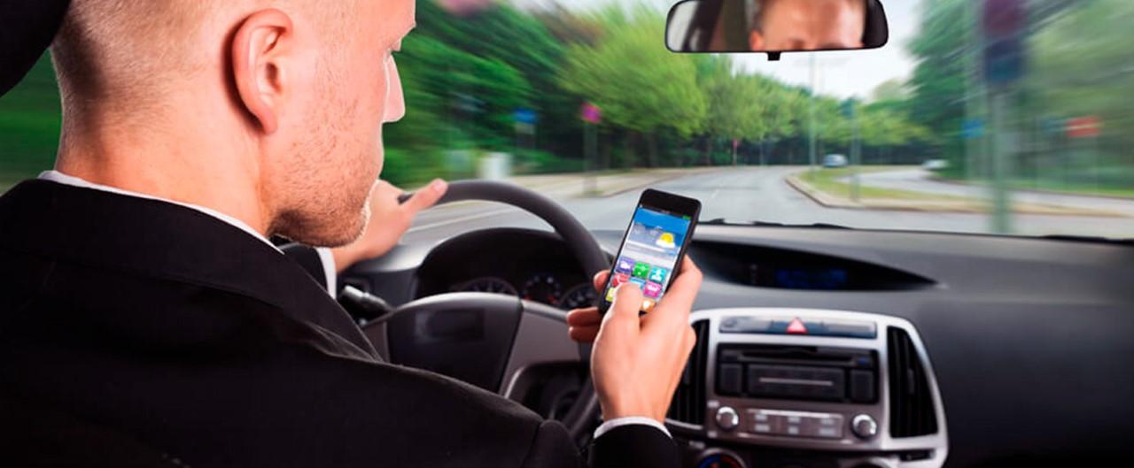 Maio Amarelo: Uso de celular diminui a atenção e aumenta o risco de acidentes de trânsito