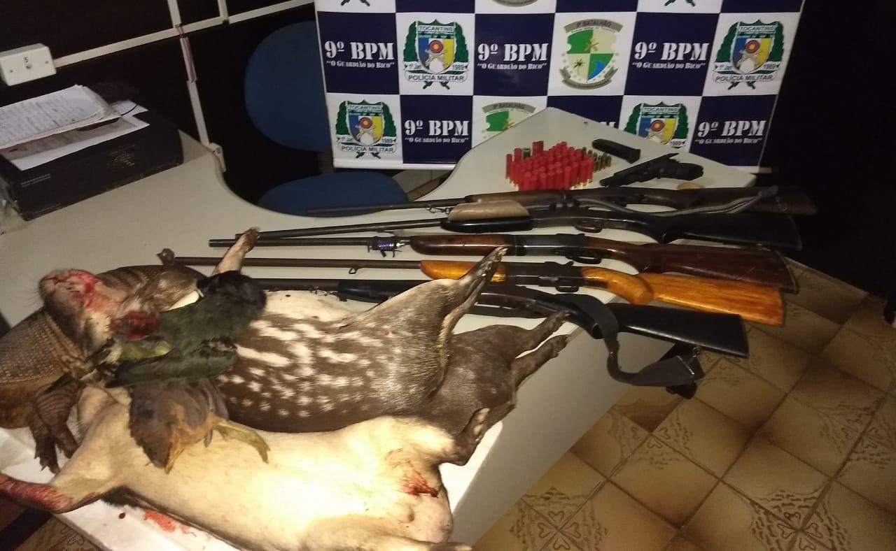 9º BPM apreendeu seis armas de fogo, munições e animais silvestres abatidos no povoado Macaúba em Araguatins; Cinco homens foram detidos