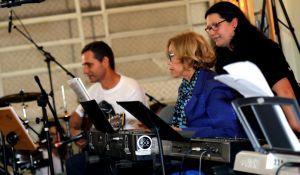 Aulas de música ajudam idosos com Alzheimer