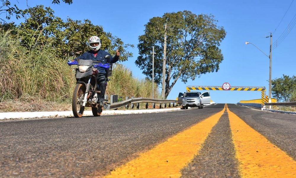 Pórticos instalados nas cabeceiras da Ponte de Porto Nacional são retirados e Governo orienta motoristas