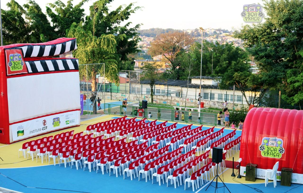 'Cine Boa Praça' chega a Santa Isabel com sessões gratuitas de filmes