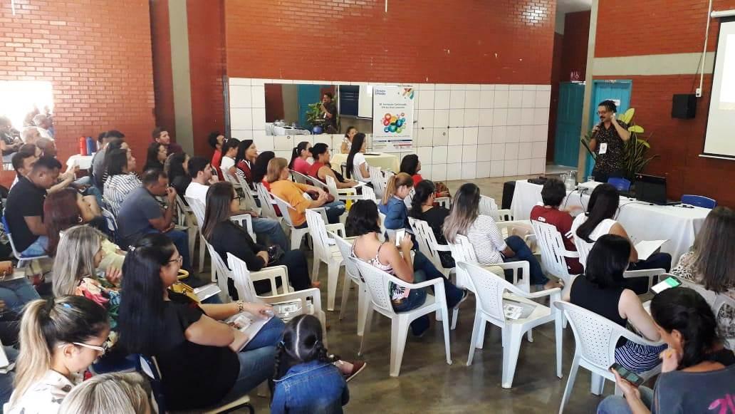 CEM Rui Brasil de Miranorte promove formação para professores