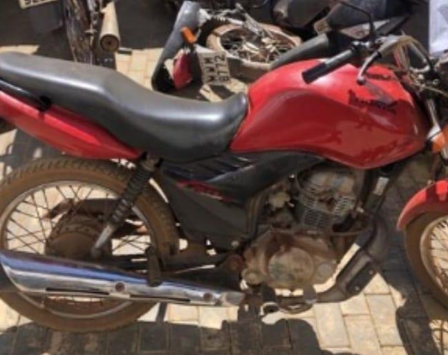 Através de rastreamento de celular, PM prende autores de roubo e recupera motocicleta e celulares em Palmas