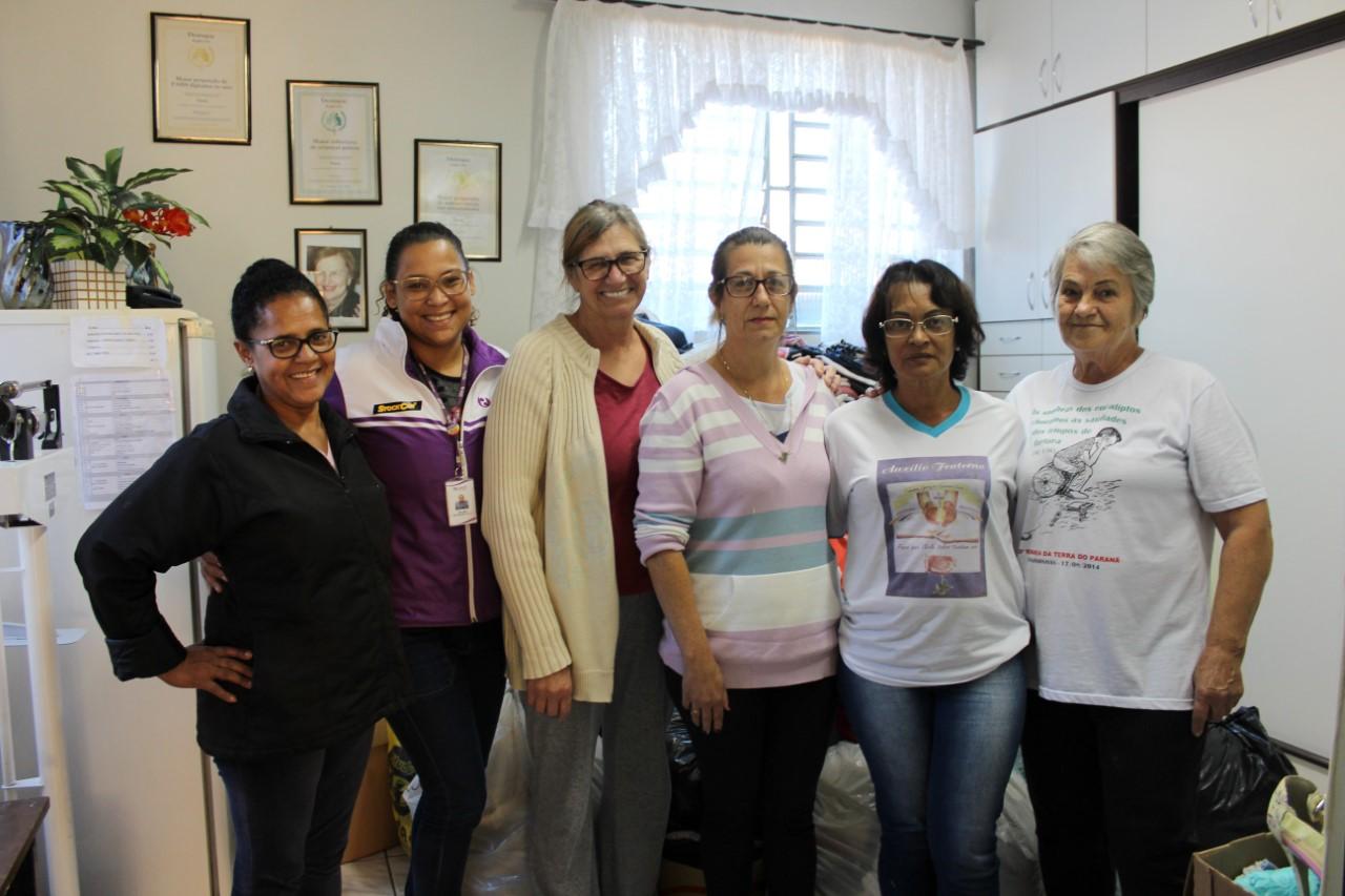 Grupo Voluntariado Prati-Donaduzzi arrecada 4 mil agasalhos