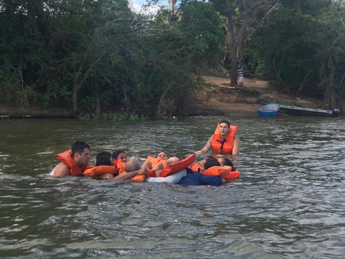 Prefeitura de Araguaína realiza ações com moradores e visitantes das praias do Garimpinho