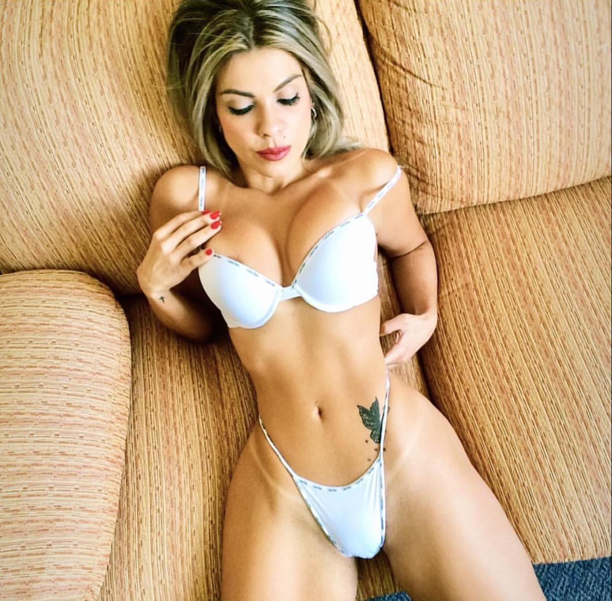 Musa fitness Bruna Corrêa causa polêmica ao postar foto com cintura de apenas 55 cm e nega uso de Photoshop