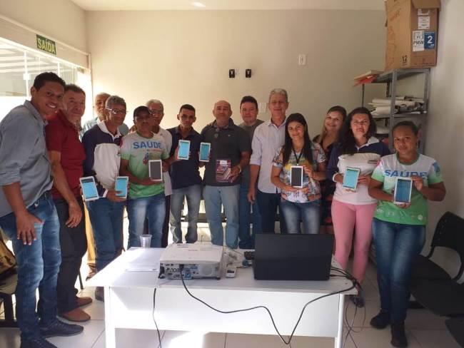 Agentes de saúde de Dois Irmãos recebem tablets e participam de formação para uso do 'e-SUS AB Território'