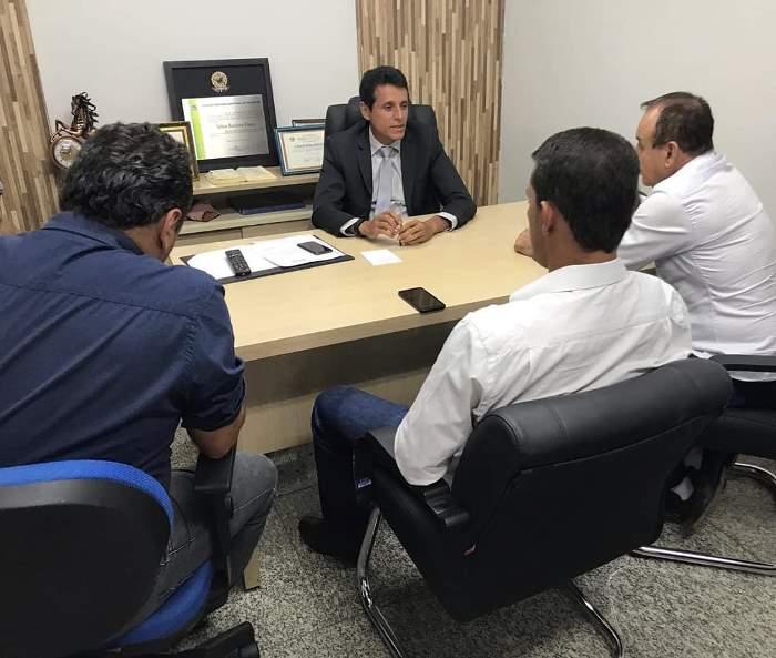 Deputado Nilton Franco recebe visita de prefeitos de cinco municípios tocantinenses