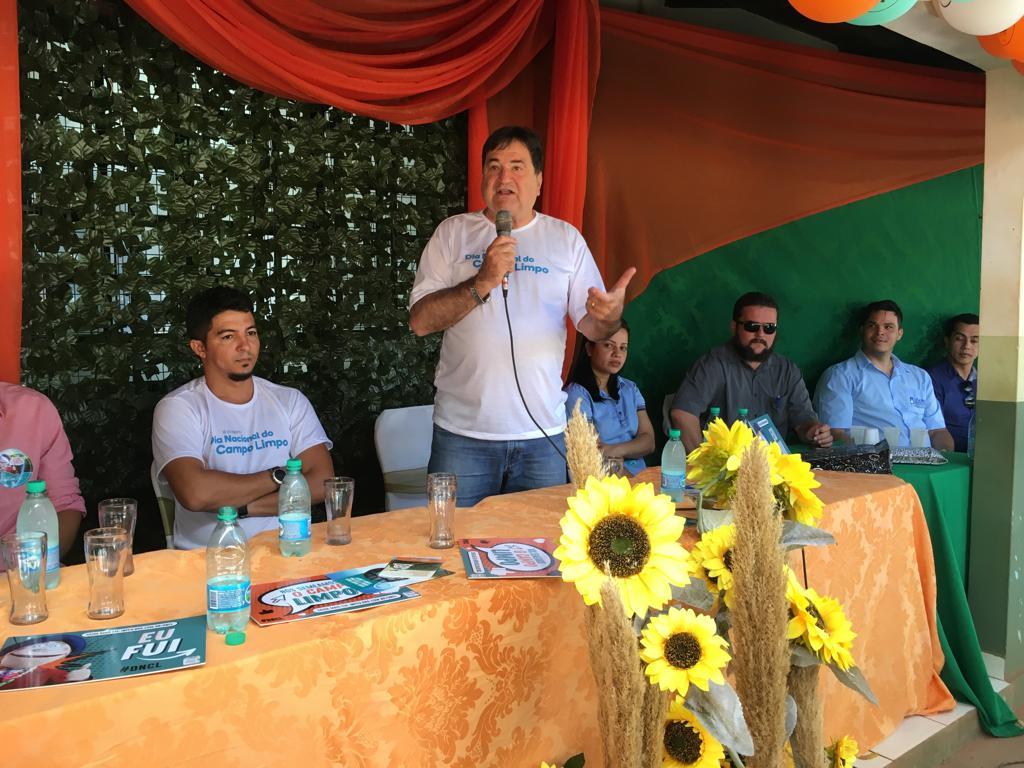 Secretário da Agricultura visita entidade que desenvolve ações sustentáveis com reciclagem de embalagens de defensivos agrícolas