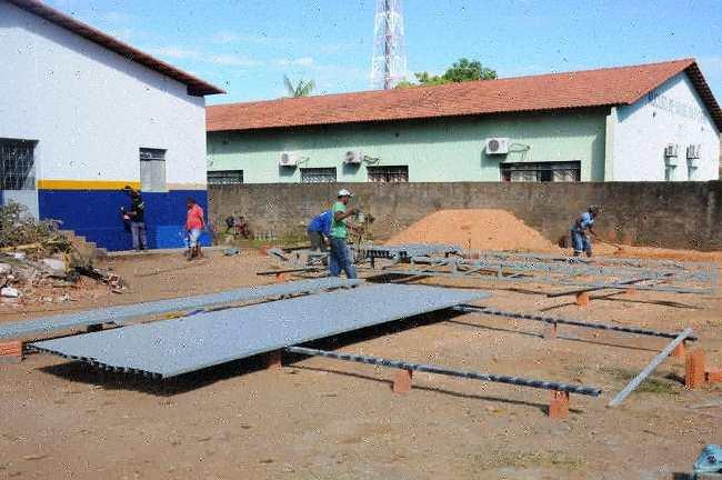 Prefeitura de Miracema inicia construção de garagem para veículos da Saúde