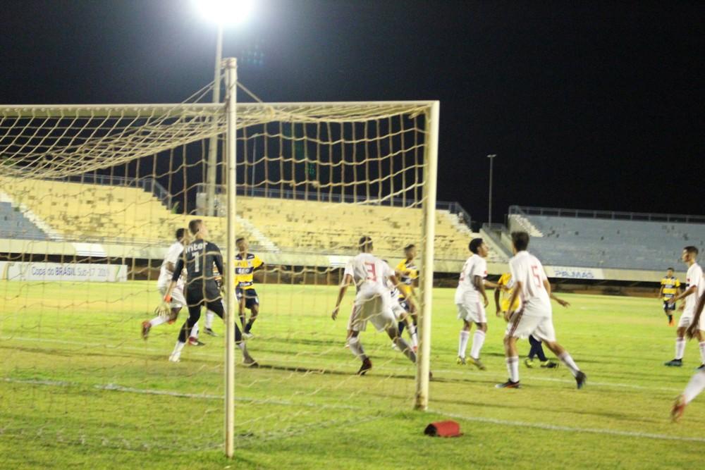 Copa do Brasil Sub-17: São Paulo leva a melhor e vence o 1º BPM no Nilton Santos