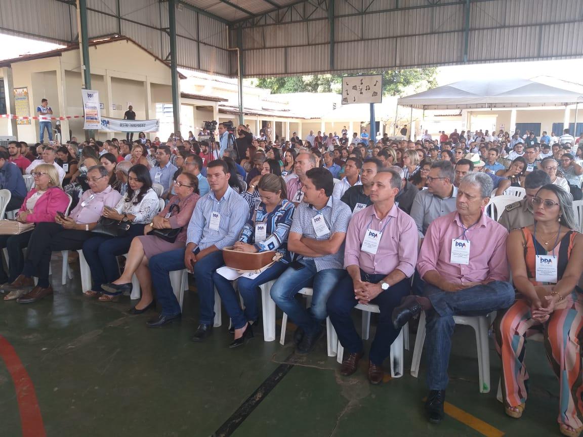 Prefeito Adriano Ribeiro representa município de Barrolândia na consulta pública do PPA 2020-2023