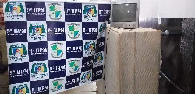 PM apreende três menores suspeitos de furto a residência em Araguatins; objetos foram recuperados
