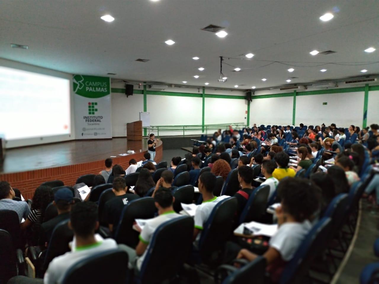 Projeto de extensão disponibiliza aulas gratuitas de preparação para o Enem 2019