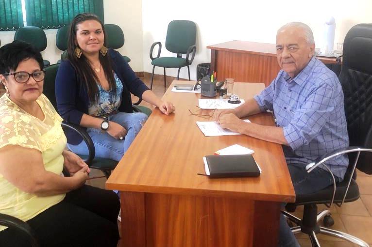 Prefeito Moisés Avelino recebe visita da Diretora do Hospital Regional