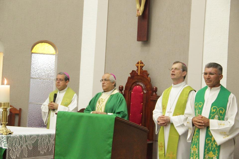 Pium recebeu em noite histórica a visita do Arcebispo Italiano e Núncio Apostólico no Brasil Dom Giovanni d'Aniello