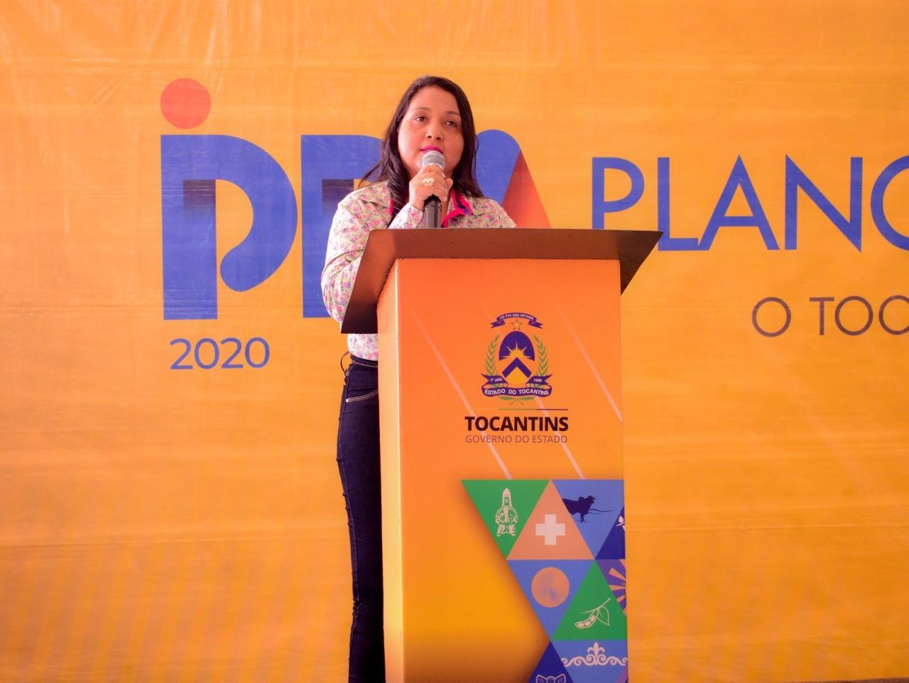 """""""Palmas precisa do retorno de obras e de uma atenção especial"""" reivindica Vanda Monteiro, durante consulta do PPA"""
