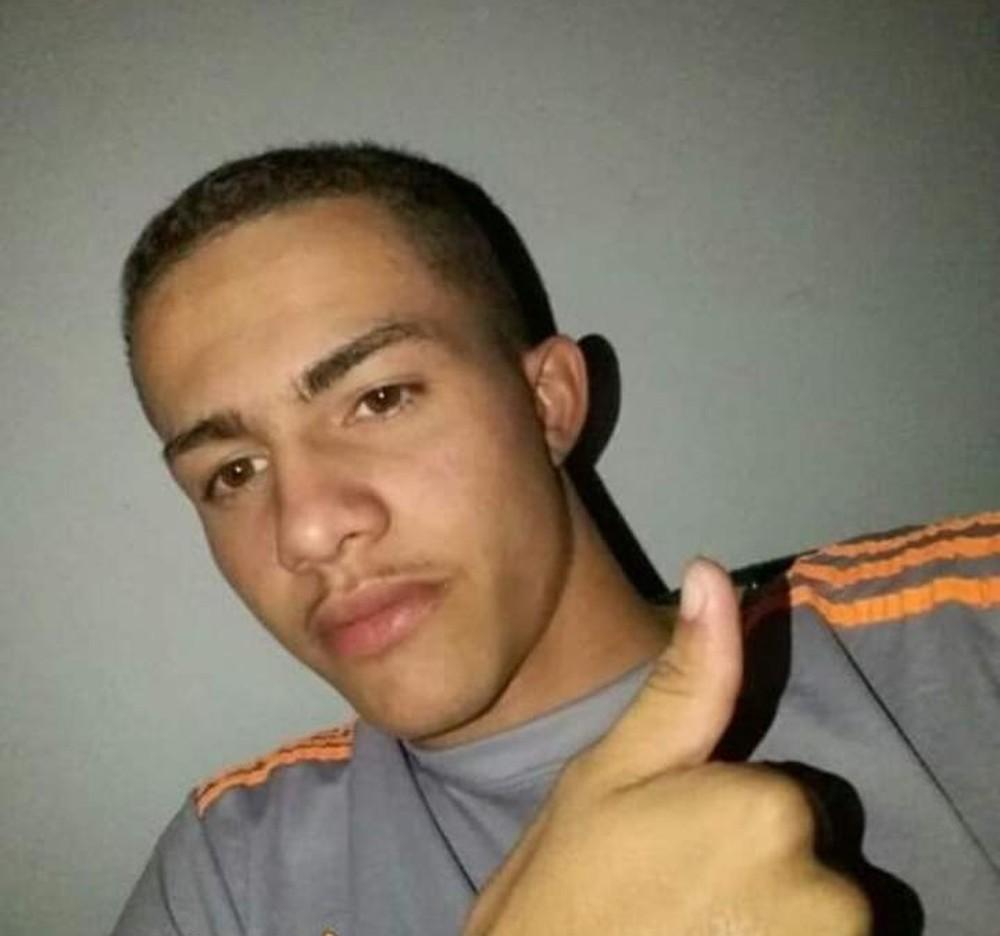 Criminosos em carro preto matam adolescente de 17 anos a tiros em Araguaína