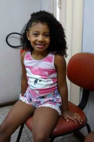Menina de 8 anos morre vítima de bala perdida no Complexo do Alemão