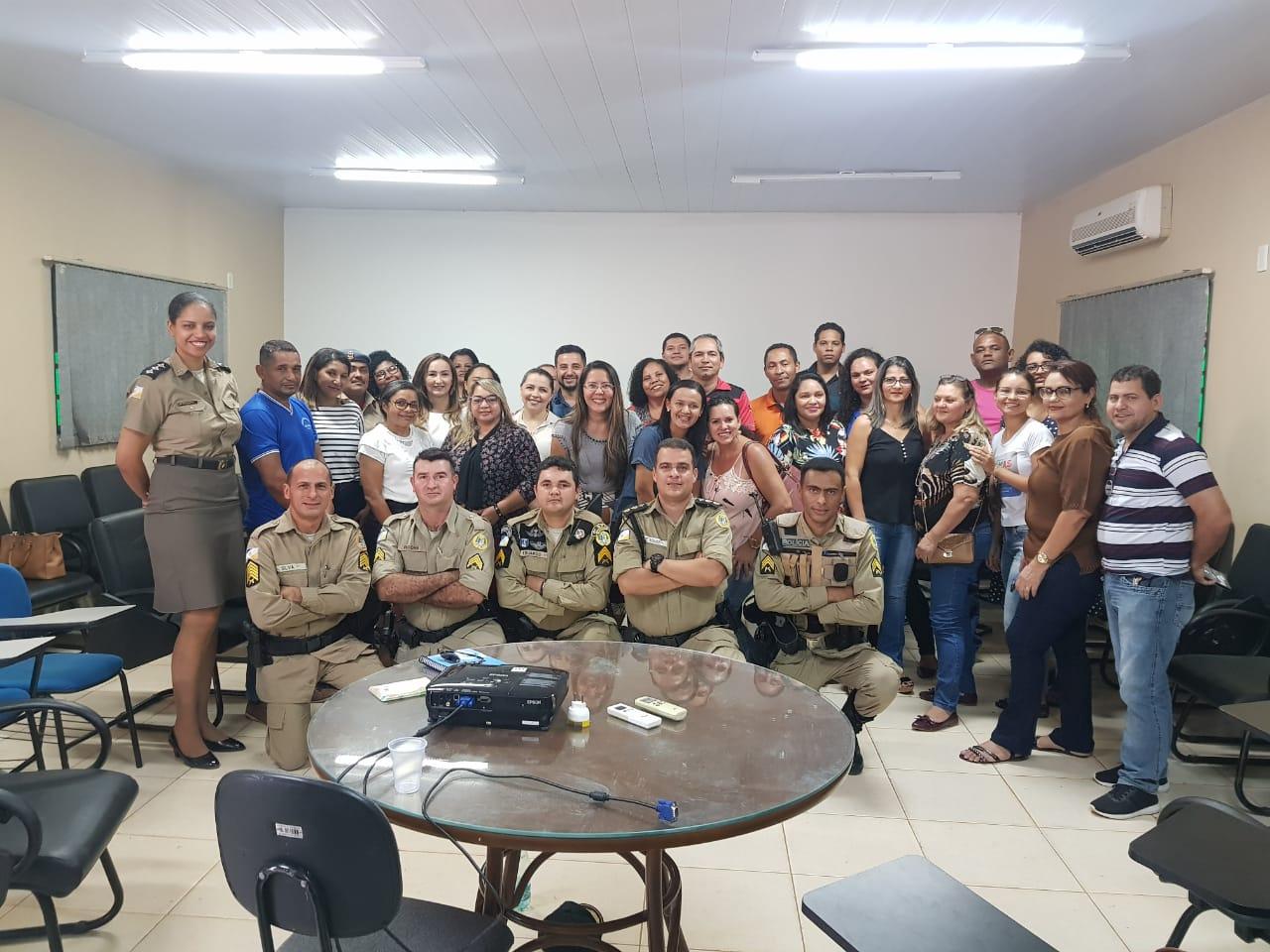 Novas dinâmicas de atuação da Patrulha Escolar da PM são discutidas com gestores escolares em Palmas