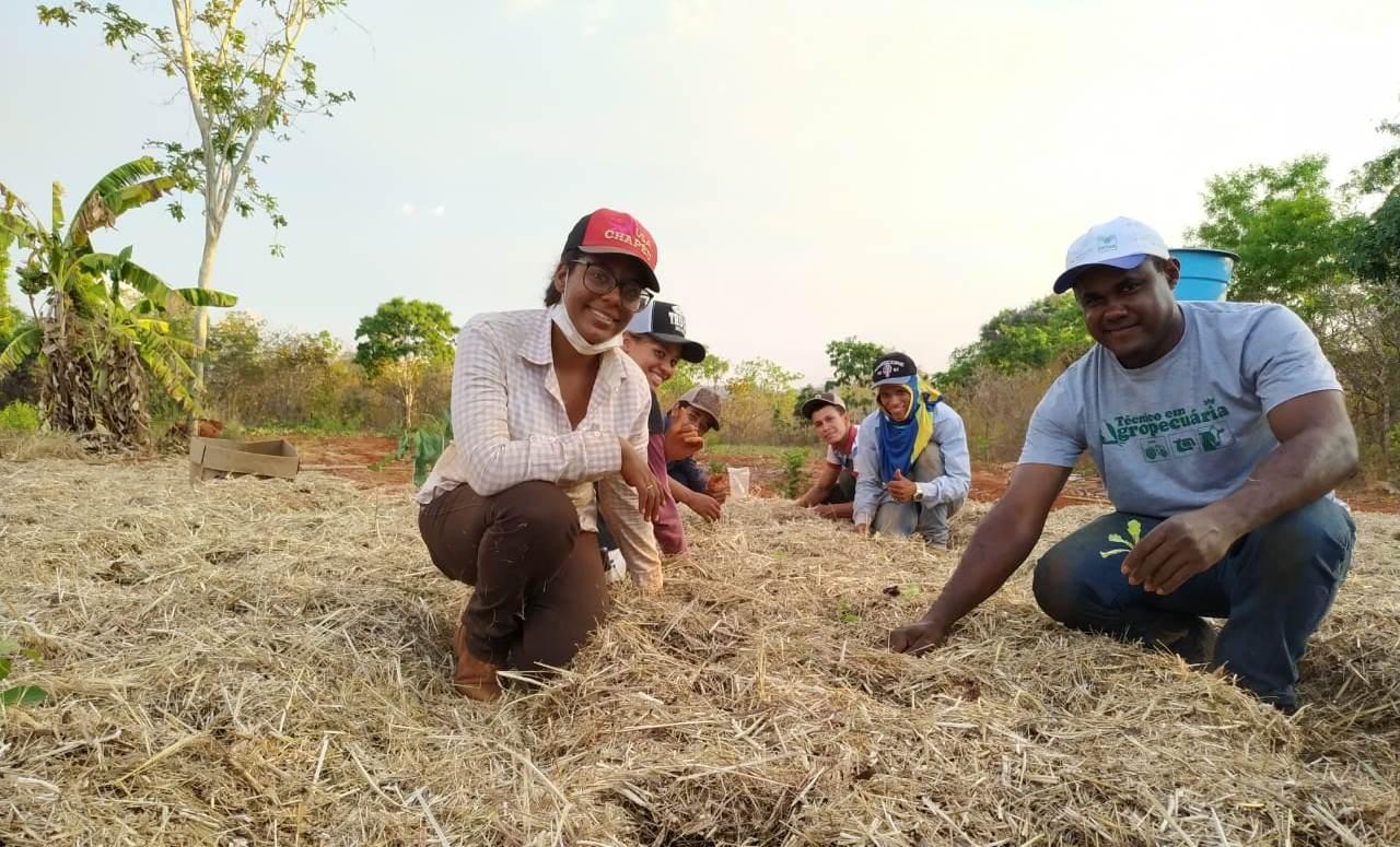 Produção de alimentos em colégio agrícola garante alimentação de qualidade para estudantes