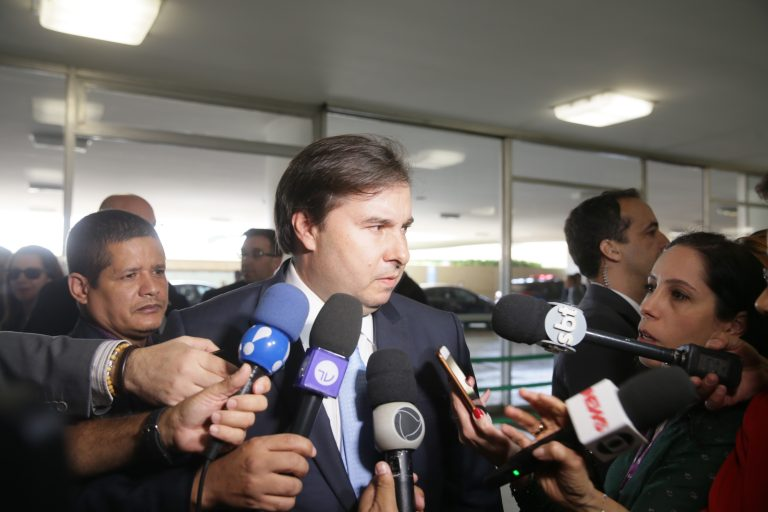 Para Rodrigo Maia, população brasileira financiará candidatos a cargos político