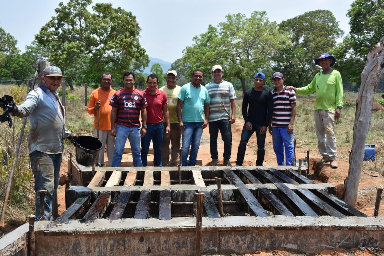 Prefeitura realiza instalação de Mata-burros e construção de Cacimbas  na Zona Rural do Município